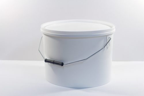 10 litre Round plastic bucket/pail with lid and metal handle. Food grade packaging perfect for honey, jams, chutneys., sauces and industrial use. From our Plastic Packaging range.