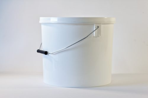 15 litre Round plastic bucket/pail with lid and metal handle. Food grade packaging perfect for honey, jams, chutneys., sauces and industrial use. From our Plastic Packaging range.