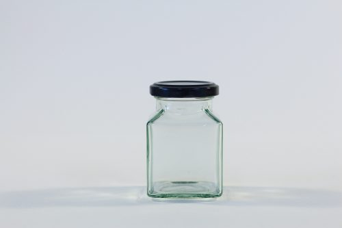 200ml Square glass jar with lid. Food grade packaging perfect for honey, jams, confectionarys and chutneys.