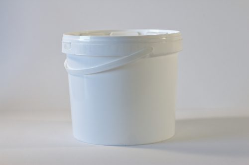5 litre Round plastic bucket/pail with tamper evident lid and plastic handle. Food grade packaging perfect for honey, jams, chutneys., sauces and industrial use. From our Plastic Packaging range.